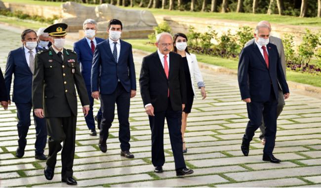 CHP lideri Kılıçdaroğlu'ndan Anıtkabir ziyareti!
