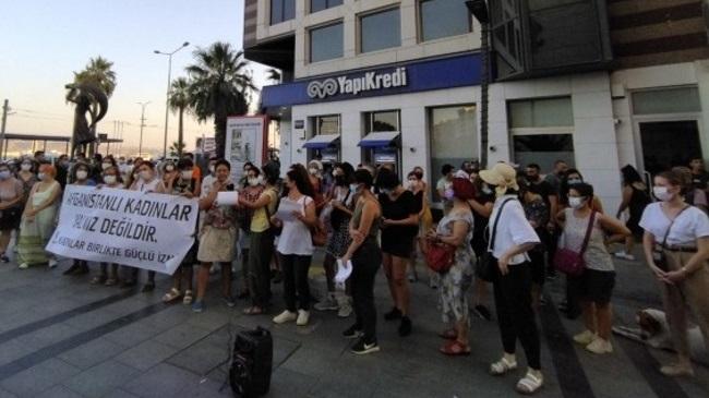 İzmir'de Afganistanlı kadınlara destek eylemi