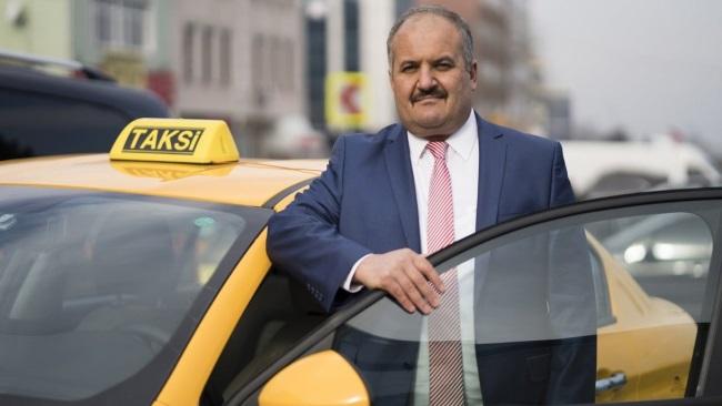 Taksiciler Odası Başkanı Eyüp Aksu'nun taksisine farklı ücret yazmaktan ceza kesilmiş!