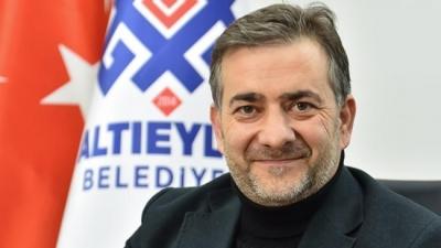 AKP'li meclis üyesi sert sözlerle partisinden istifa etti!