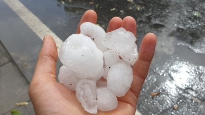 Dolu yağışı İstanbul'u felç etti