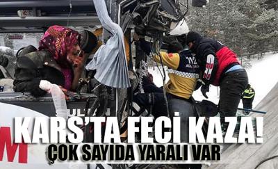 Kars'ta yolcu midibüsü ile TIR çarpıştı: 20 yaralı var